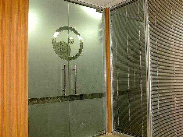 Ofis içi Cam Kapı Sistemleri