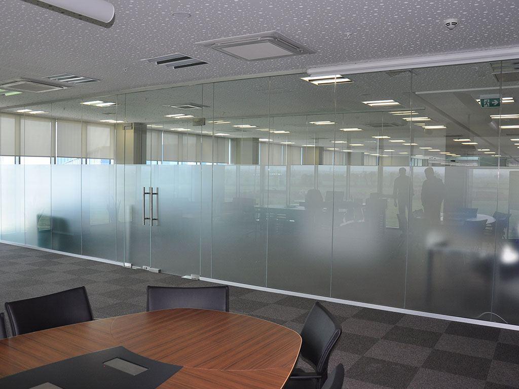 Ofis içi Camlı Bölme Sistemleri